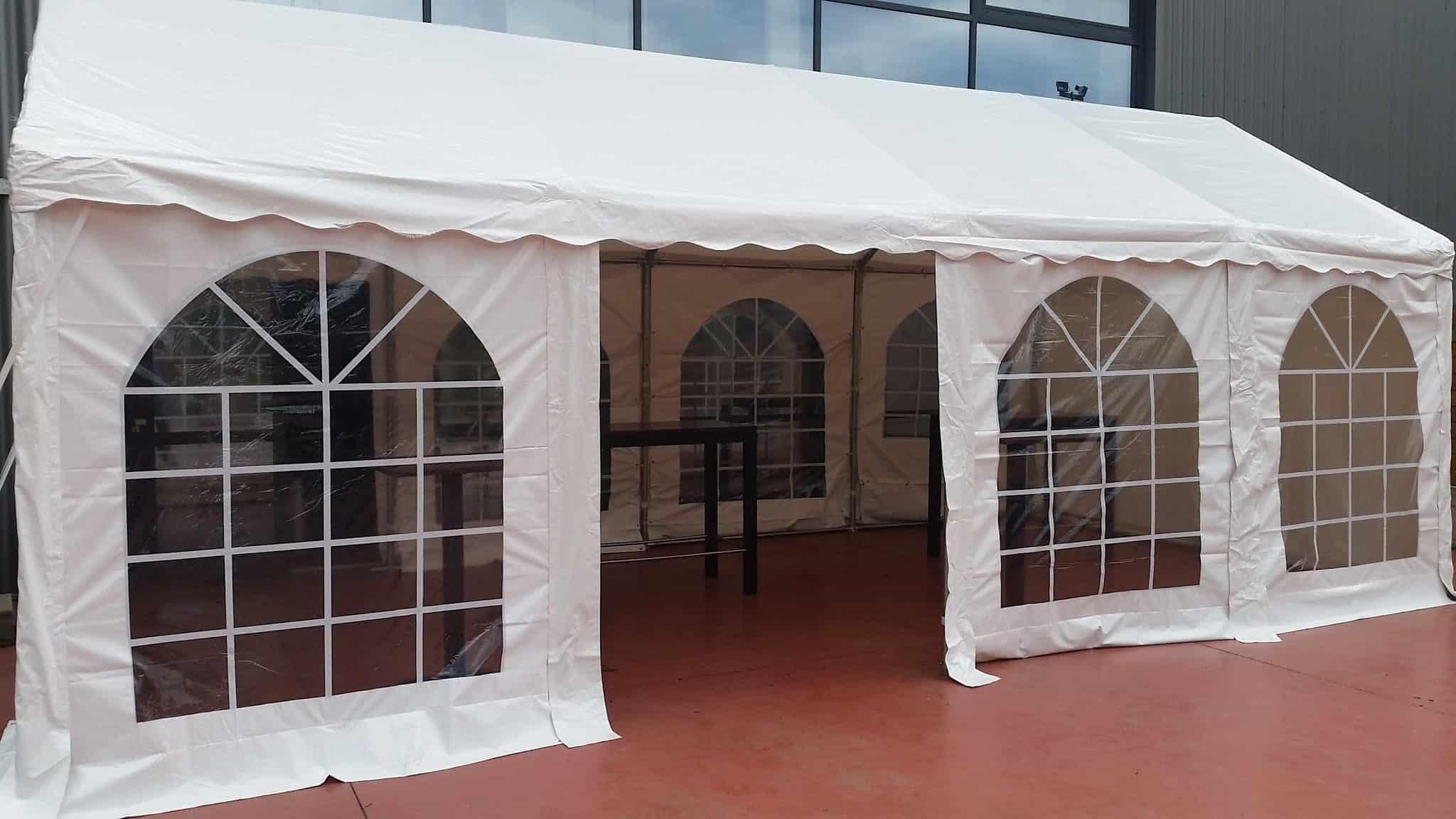 location de tente de r ception 4x8m blanc pic event location de mat riel pour vos v nements. Black Bedroom Furniture Sets. Home Design Ideas